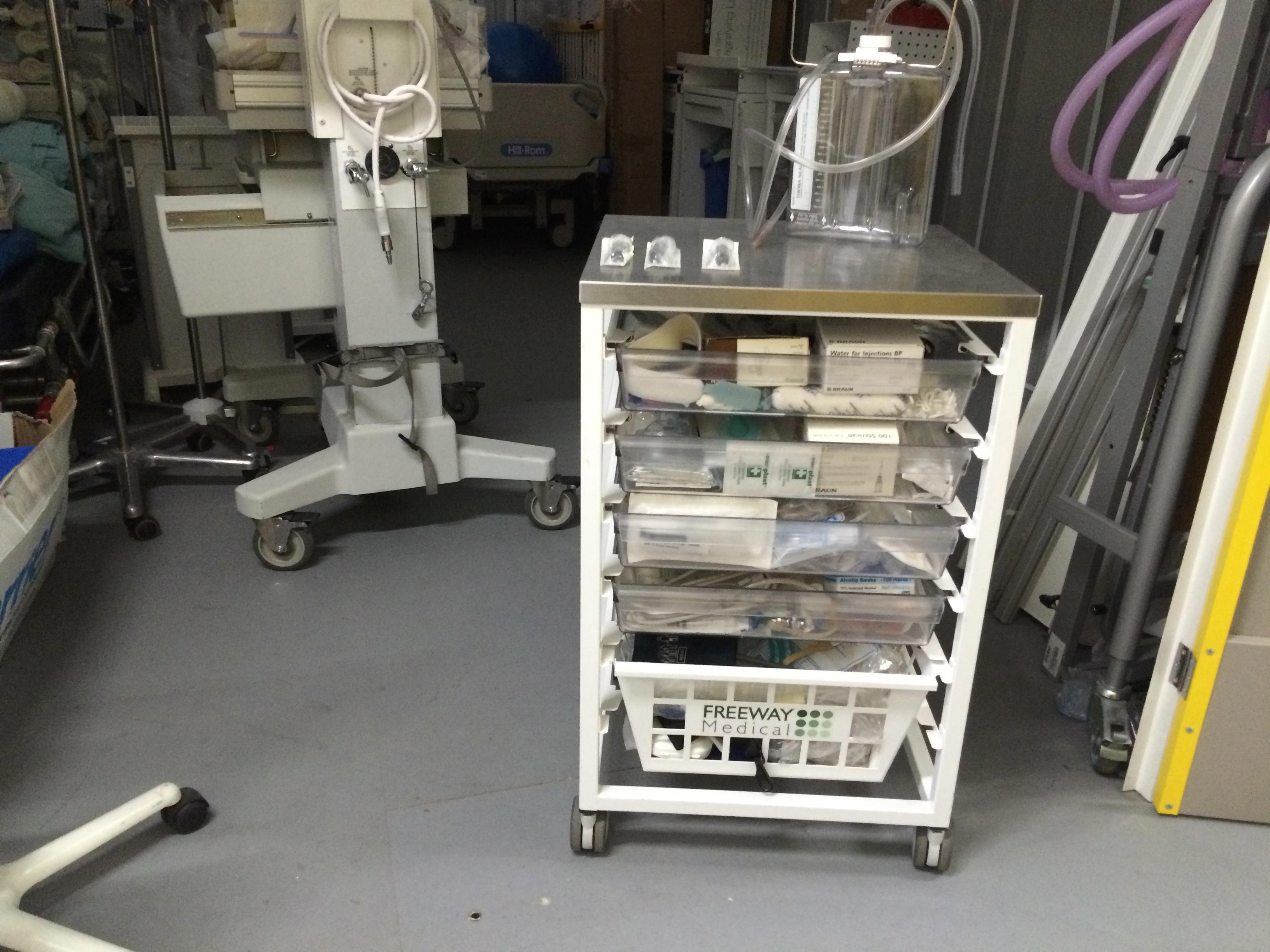 Medical Trolley 4